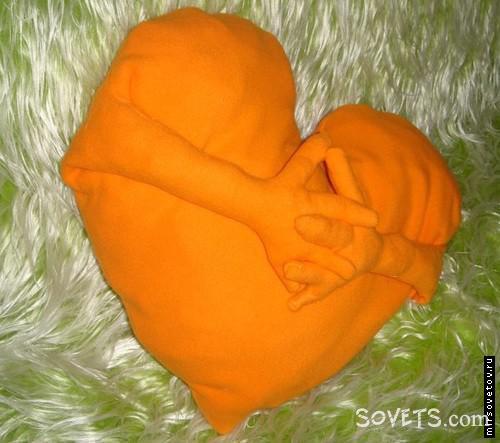 Подушка-сердечко готвоа